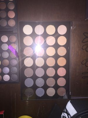 Eyeshadow palettes for Sale in Las Vegas, NV