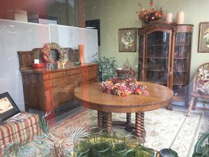 Antique Dining Room Set for Sale in Wendell, NC