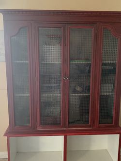Cabinet Hutch / Armoire for Sale in Las Vegas,  NV