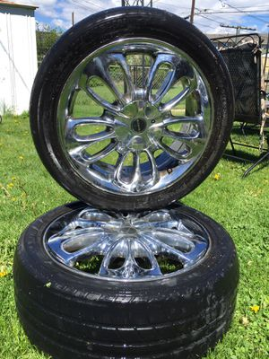 Chrome rims Universal for Sale in Denver, CO
