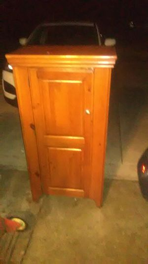 Beautiful Wooden Hutch/ Entertainment Center for Sale in Broadview Heights, OH