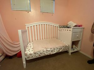 Baby Crib (White) for Sale in Tolleson, AZ