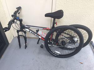 Trek mountain bike 3500 for Sale in Hialeah, FL
