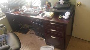 Brown computer desk for Sale in Stockton, CA
