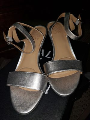 Naturalized size 7W for Sale in Los Angeles, CA