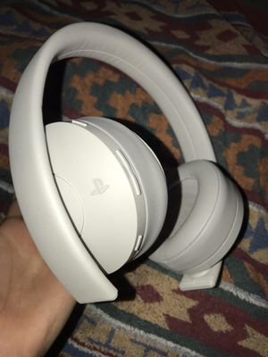 PS4 gold wireless headset, trade for AirPods for Sale in Haines City, FL
