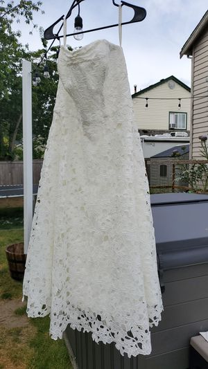 David's Bridal Galina Wedding Dress Size 12 for Sale in Puyallup, WA
