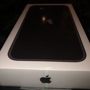 iPhone 11 (black) (brand new) for Sale in Chicago, IL