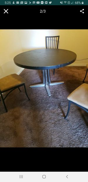 Dining room round table and 4 chairs. Moving soon need gone for Sale in Columbus, OH