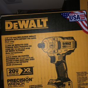 Dewalt 1/2 XR IMPACT WRENCH for Sale in Providence, RI