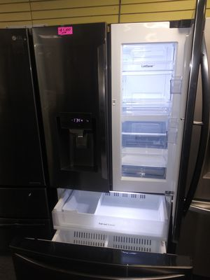 "LG 36""wide new scratch and dent showcase French doors dark stainless steel refrigerator 6months warranty for Sale in McDonogh, MD"