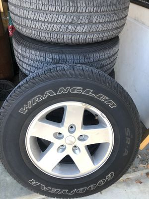 Jeep Wrangler Tires and Wheels P255/R75/17 for Sale in San Antonio, TX