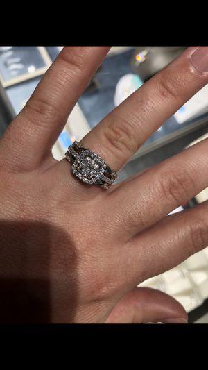 Diamond engagement ring with enhancer for Sale in Biltmore Forest, NC