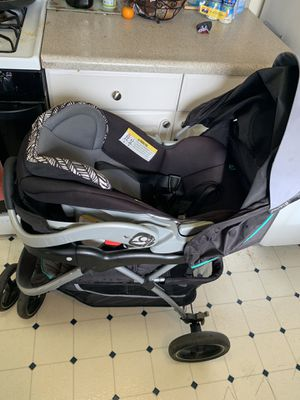 Car seat with stroller and base for Sale in Napa, CA