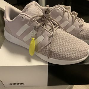 Adidas QT Racer Shoes 9.5 Women - BRAND NEW for Sale in Decatur, GA