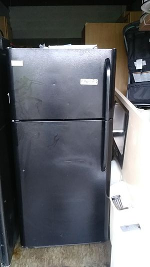 Frigidaire Deluxe refrigerator for Sale in Washington, DC