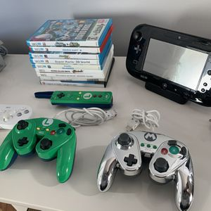 Wii U Deluxe Set: 9 Games + 3 Controllers for Sale in Atlanta, GA