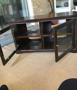 Solid Wood T V Stand for Sale in Conyers, GA