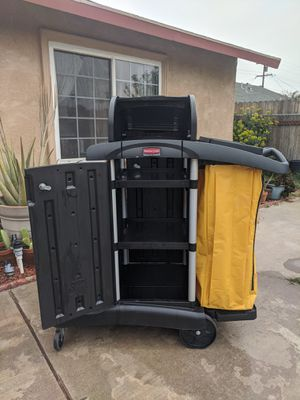 Rubbermaid janitor Cart for Sale in Moreno Valley, CA