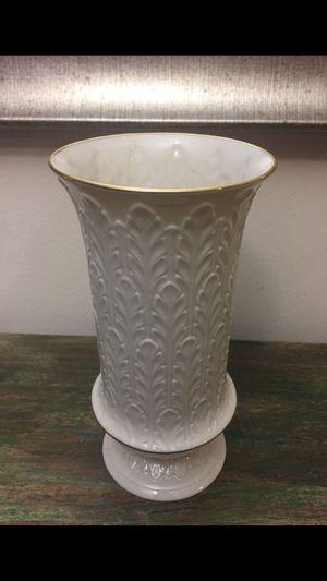 Flower vase for Sale in Falls Church, VA