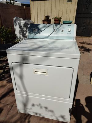 LIKE NEW Kenmore Series 700 WASHER/DRYER set (electric). for Sale in Las Vegas, NV
