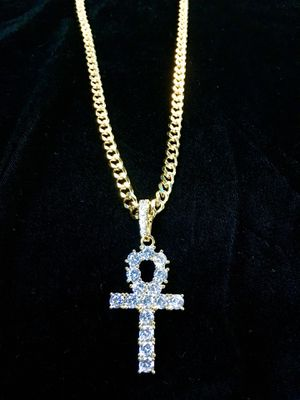 ANKH FULL DIAMONDS CZ 18K GOLD CHAIN MADE IN ITALY for Sale in Orlando, FL