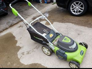 Greenworks 20 inch 12 Amp Electric Corded Lawn Mower 25022 for Sale in Loma Linda, CA