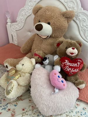 Oversized teddy bear for Sale in Westland, MI