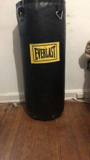 Everlast punching bag for Sale in Beltsville, MD