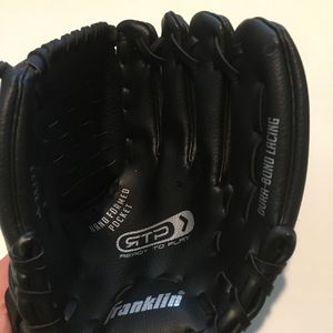 """Franklin TBall Baseball Glove Black 22732-9"""" Right Hand Throw Hand Formed Pocket for Sale in San Jose, CA"""