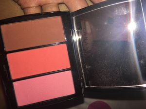 Trio Anastasia blush for Sale in Kansas City, MO