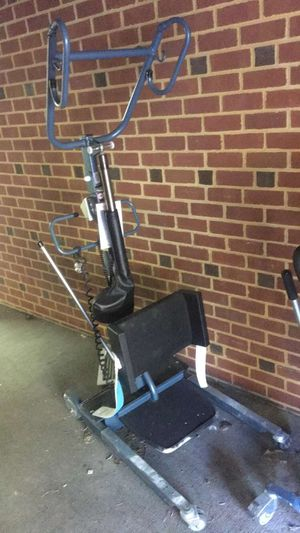 Hoyer sit-to-stand lift for Sale in Harrisonburg, VA