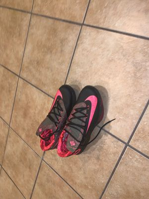 kd 7 size 10 for Sale in Tinton Falls, NJ