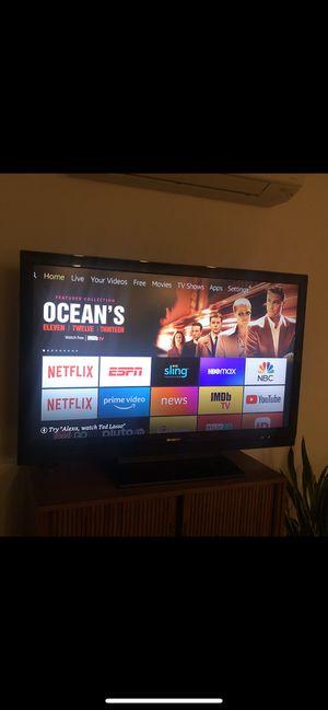 "Sharp 55"" 1080p Flat Panel LCD TV (Model LC52SB55U) for Sale in Burien, WA"