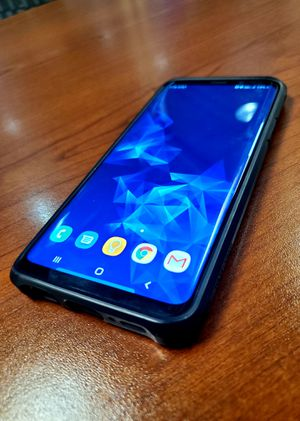 Samsung Galaxy S9+ 64GB (AT&T) with Case, Good condition, works like new for Sale in Seattle, WA