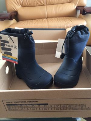 Kamik water proof snow boots for Sale in Waldorf, MD
