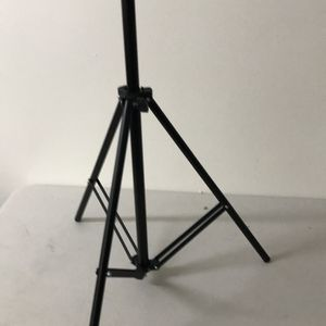 Tripod for cameras 📸 4 ft retractable foldable tripod black light weight photography equipment for Sale in Los Angeles, CA