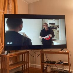 75in smart uhd lg tv for Sale in Boonville,  MO