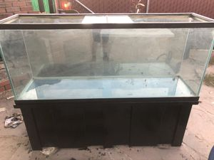 100 gallon Fish Tank with Stand its on for Sale in Bakersfield, CA