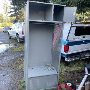 Gray Varsity Locker for Sale in Mulino, OR