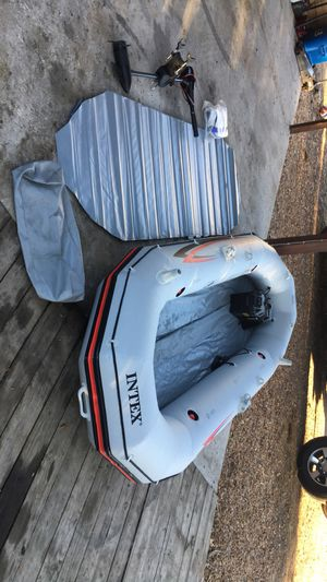 Mariner 4 intex inflatable boat for Sale in Kissimmee, FL