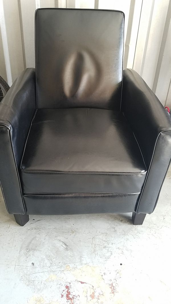 Small Black Recliner Great For Small Apt