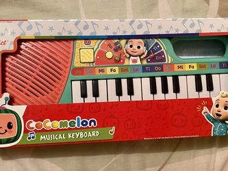 6 PACK FIGURES ,MUSICAL KEYBOARD ND MUSICAL TRACTOR ! for Sale in The Bronx,  NY