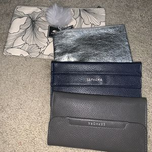 4 makeup organizer bags for Sale in Patterson, CA