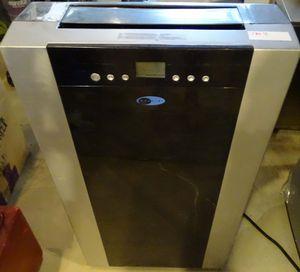 14,000 BTU Portable Air Conditioner Whynter ARC-14SH for Sale in Las Vegas, NV