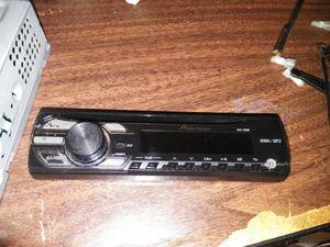 Pioneer Single Din Radio (DEH-150MP) for Sale in Houston, TX