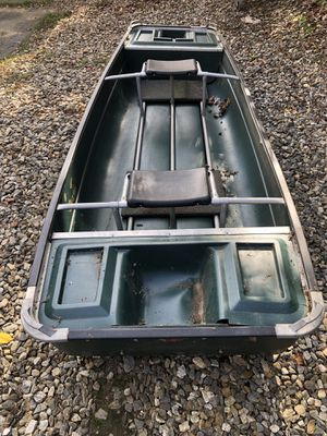 Coleman crawdad w/ electric motor for Sale in Prospect, CT
