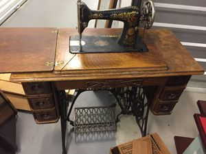 June 1910 Singer Sewing Machine with all original and working parts! for Sale in Hillsboro, OR