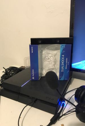 PS4 with 3 controllers/4K Samsung monitor/ turtle beach headset for Sale in Philadelphia, PA