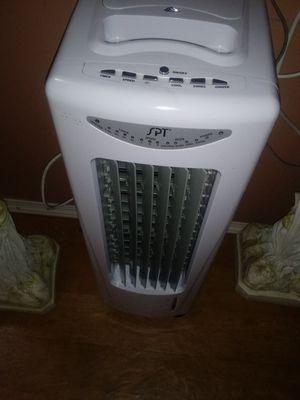 Fan for Sale in Bartow, FL